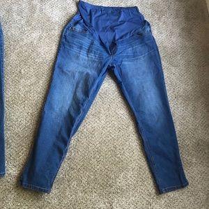 2 Maternity jeans
